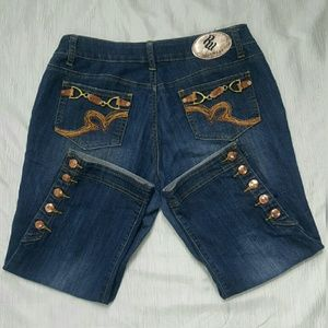 Rocawear Cropped women  Dark Blue Jeans Size 8 _ 9